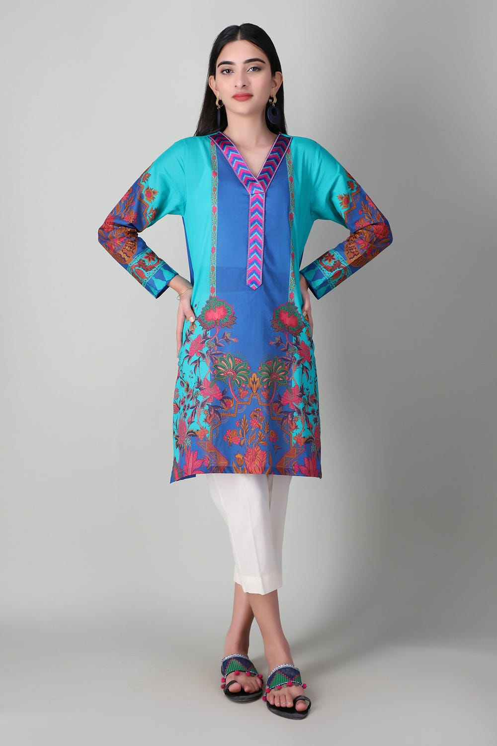 Khaddi Embroiderd Lawn Kurta For Eid