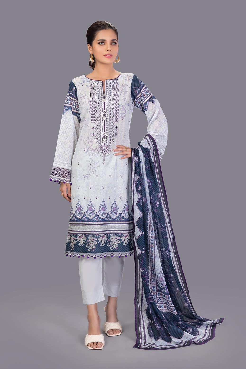 New Fasaana Suit For Ladies