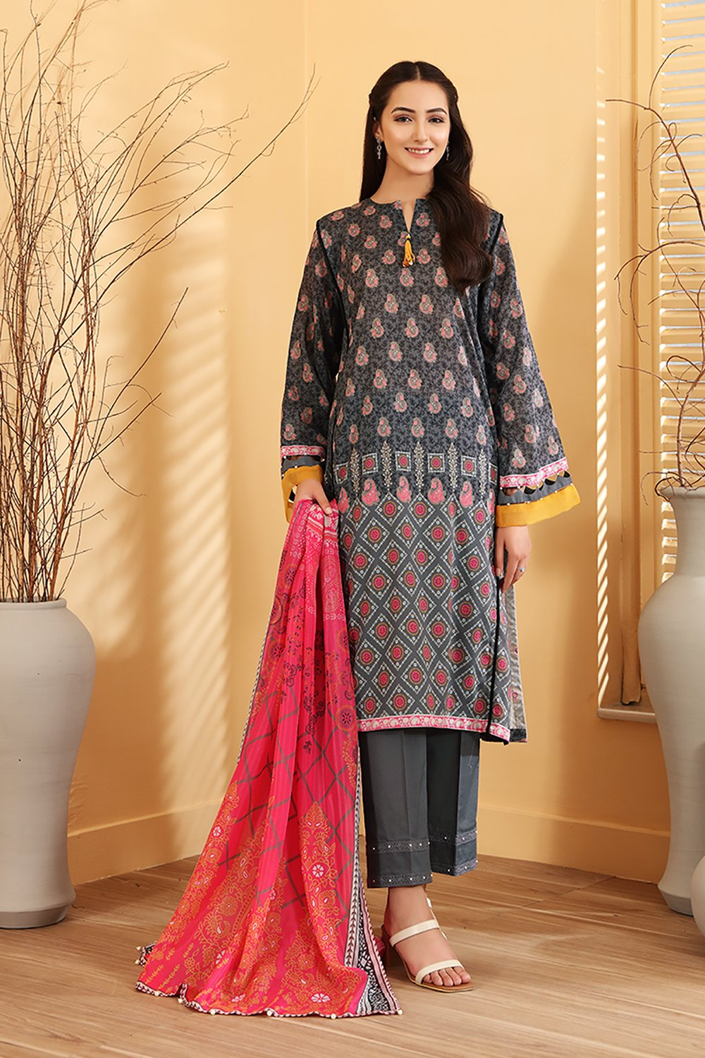 black and red lawn nishat